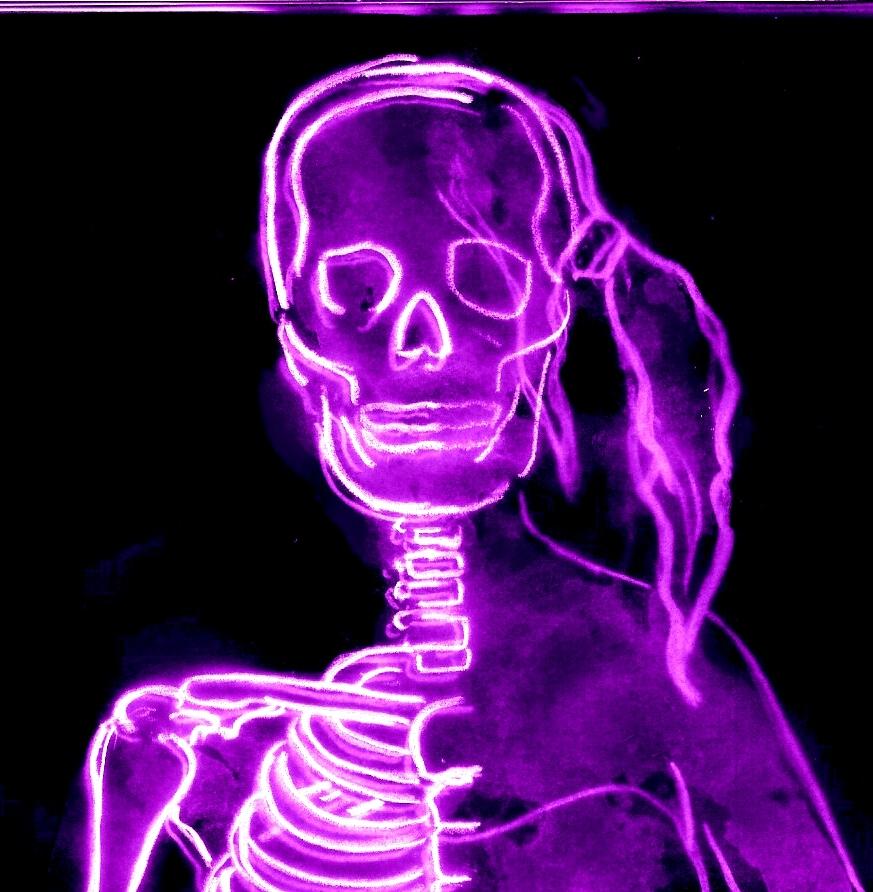 brutale midinette portrait squelettique